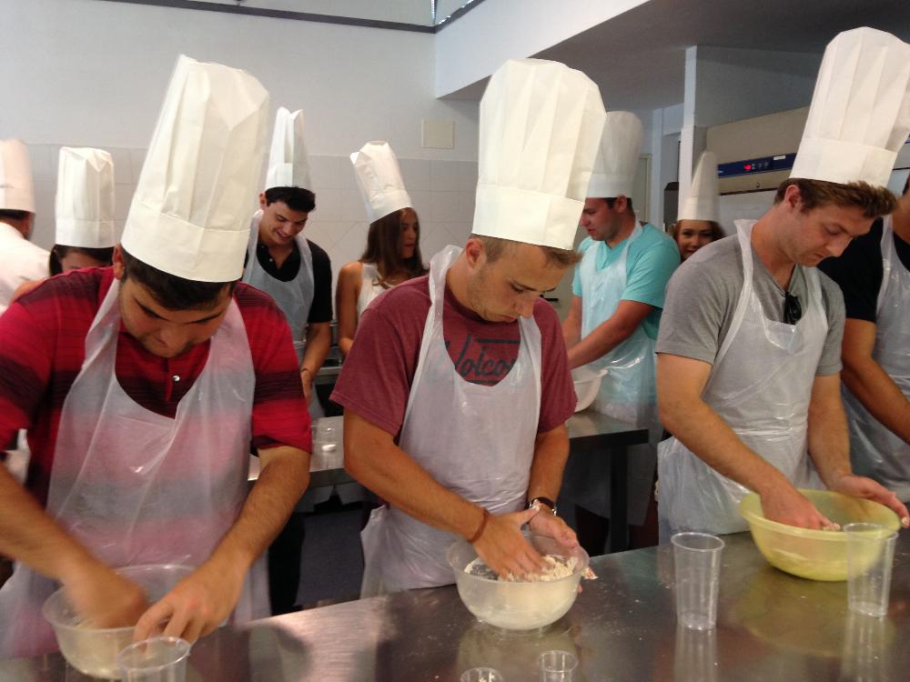 Rome - Business - pizza making